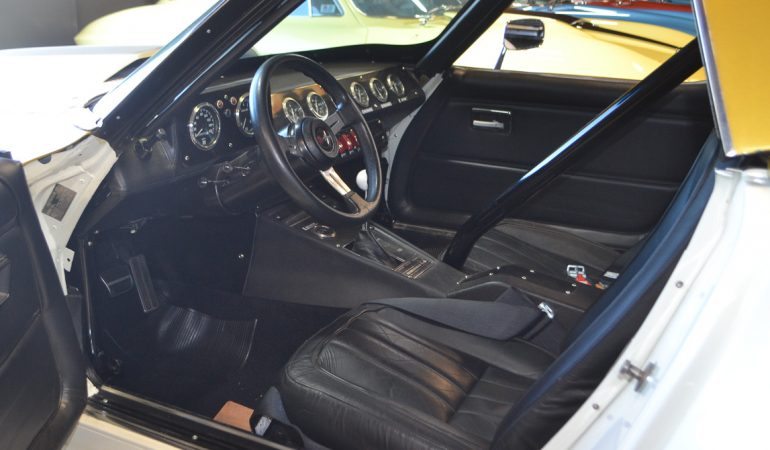 1968 white corvette conv race car 10