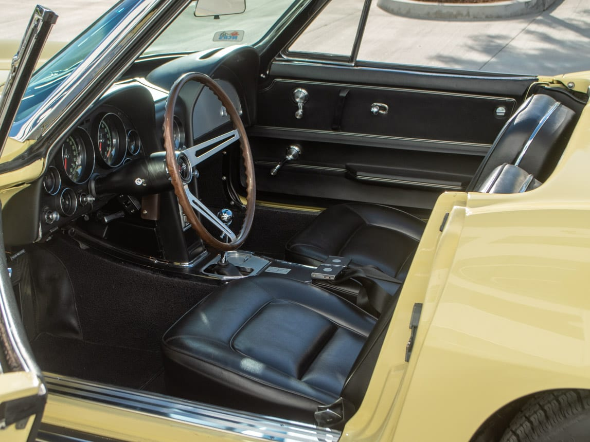 1965 yellow corvette convertible 0419