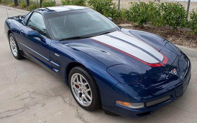 2004 blue corvette z06 exterior 1